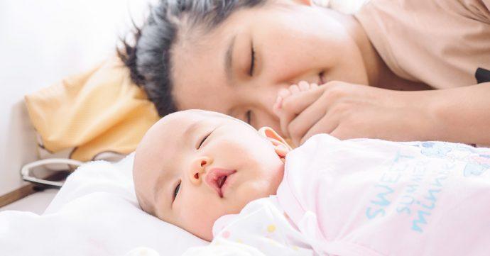 por que los bebes deberian dormir en la cama de la madre hasta que cumpla los 3 anos banner