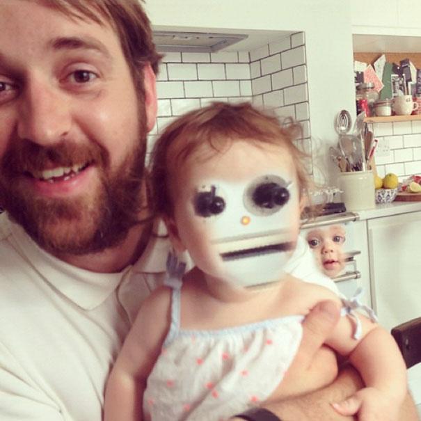 20 Personas que intentaron cambiarle la cara a su bebé y se arrepintieron nada más verlos