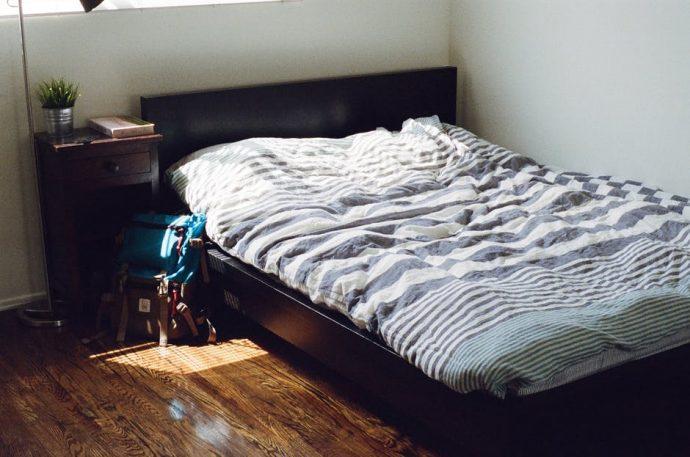 7 Cosas que deberíamos hacer y dejar de hacer para alejar las arañas de la cama