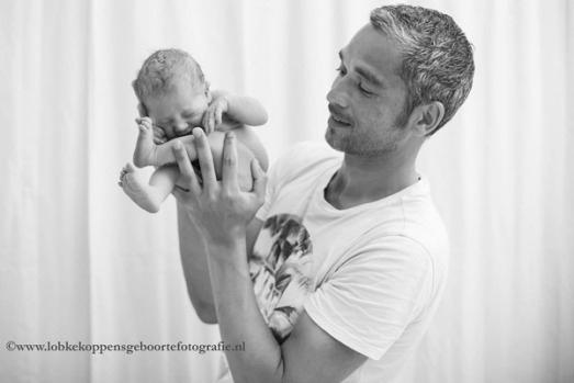 7 Imágenes que muestran cómo puede caber un bebé en el cuerpo de una mujer