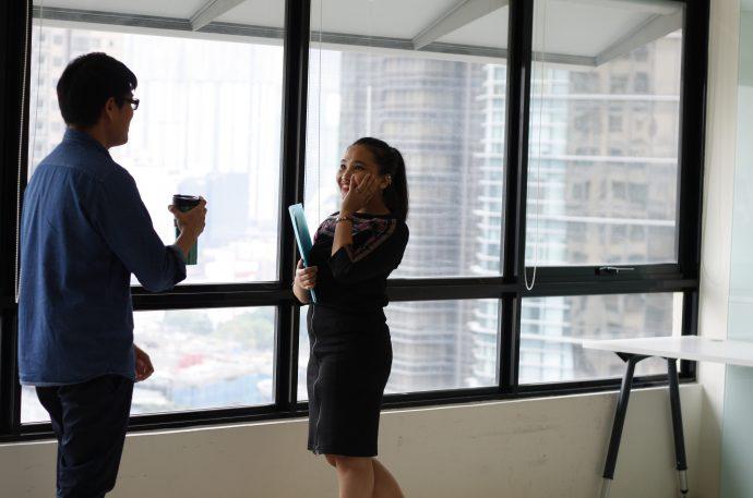 10 Cosas que hacen las mujeres que ponen a los hombres celosos en cuestión de segundos