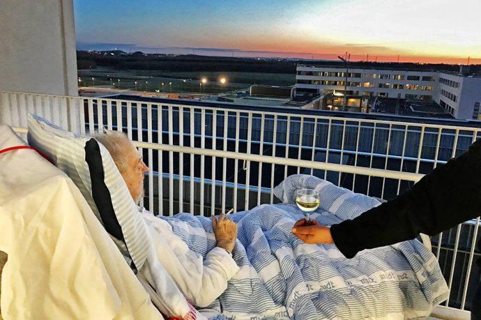 Una enfermera se salta las reglas del Hospital para cumplir el último deseo de su paciente