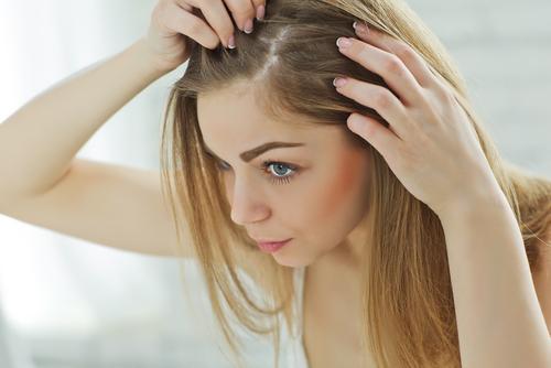 estas 3 razones podrian explicar por que su cabello se esta poniendo gris 194014