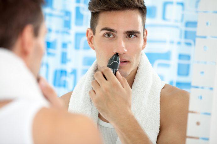 4 Razones por las que se deberían depilar los pelillos de la nariz y el truco para disimularlos