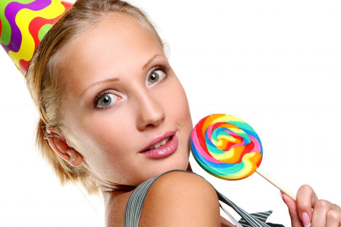 7 Datos sobre las Sugar Babies, las mujeres que viven una vida lujosa con hombres maduros a cambio de placer