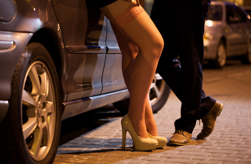 7 cosas que aprendes como policia que pretende ser prostituta prostitucion
