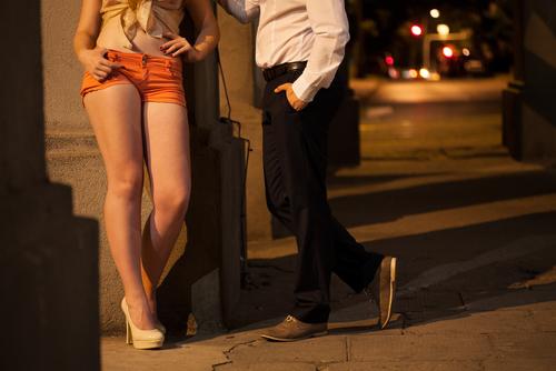 7 cosas que aprendes como policia que pretende ser prostituta prostituta y cliente