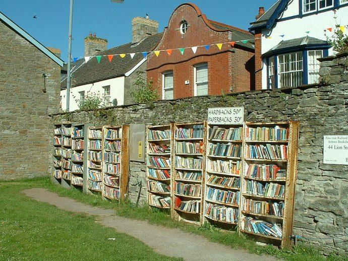 7 Imágenes de Hay-on-Way, el pequeño gran pueblo de Inglaterra donde hay más libros que personas