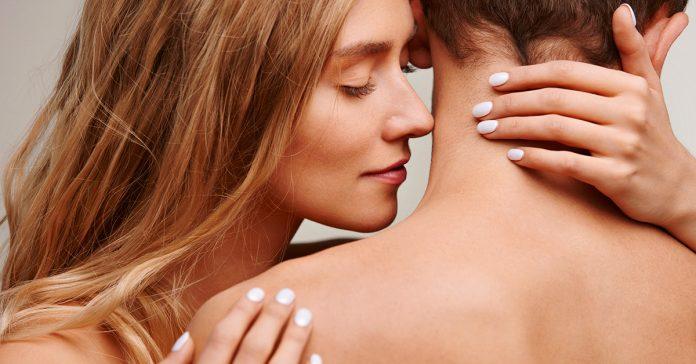 el aroma de los hombres tiene un efecto extrano sobre las mujeres banner