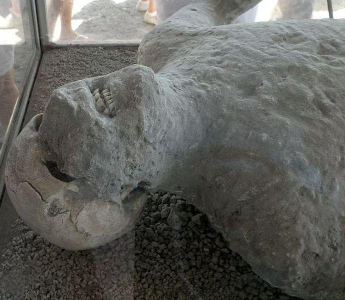 14 Historias y secretos que encierran los cuerpos cubiertos por el Volcán de la tragedia de Pompeya