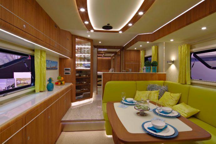 4 Imágenes de la caravana más lujosa del mundo se viralizan creando envidias en las redes