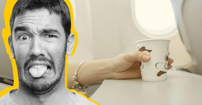 la razon principal por la que los asistentes de vuelo nunca beben bebidas calientes durante los vuelos banner