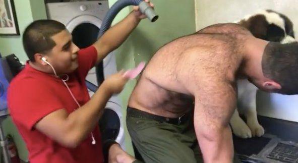 Un hombre comparte la técnica que usa con su perro para que no sufra cuando le lleva al veterinario