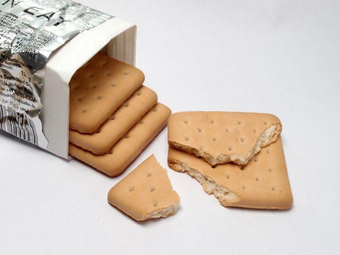 El fenómeno que explica por qué si dejas un paquete de galletas abierto se ablanda y si son magdalenas se ponen duras