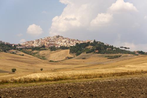 un alcalde italiano te pagara 2 000e por mudarte a un pueblo de la region de apulia 201963