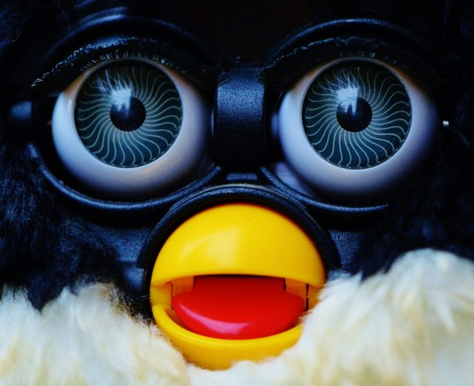 10 Aterradoras Historias que han experimentado personas al quedarse solas con sus Furbies