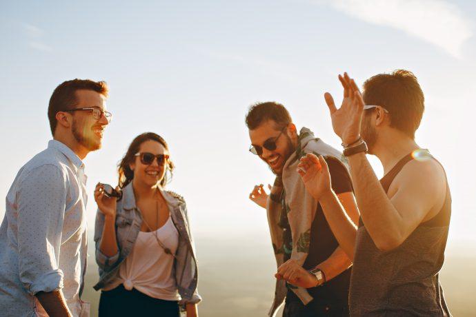 6 Cosas inconscientes que hacen los hombres cuando están locos por alguien