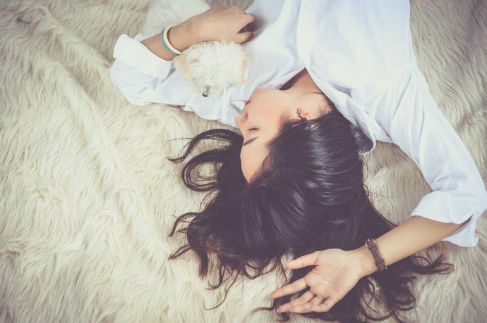 18 Cosas que hacen los veinteañeros vagos que no les da ninguna vergüenza admitir
