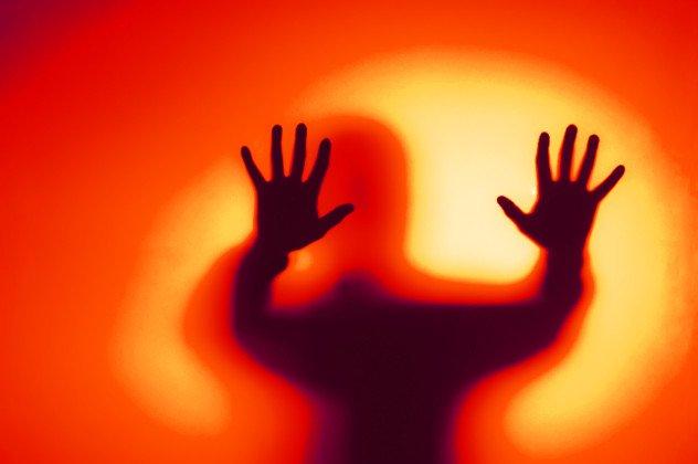 8 Aterradoras historias que han experimentado personas que sufren el trastorno de la parálisis del sueño