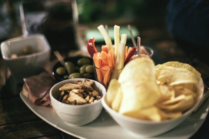 10 Cosas que revelan sobre nuestra personalidad según el tipo de aperitivo que tomemos entre horas