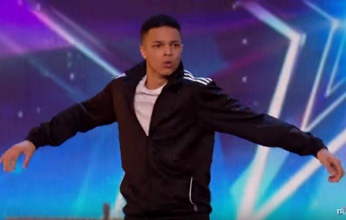 Un joven se gana al jurado de Got Talent en mitad de la actuación con su regreso por los bailes del pasado