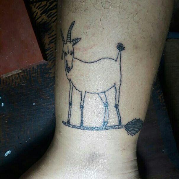 """20 Imágenes de los tatuajes """"basura"""" que hace una artista brasileña con los que más de uno se arrepentiría"""
