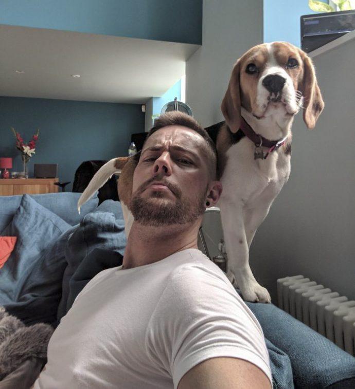 """20 Divertidas imágenes de perros y sus amigos de la moda que empezó un """"buenorro"""" subiendo un selfie con su husky"""