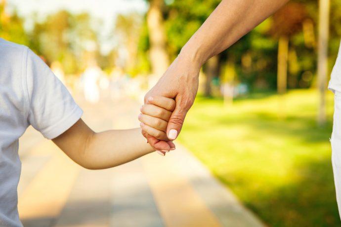 10 Cosas que deberíamos hacer cuanto antes para proteger a los niños sin quitarles la libertad