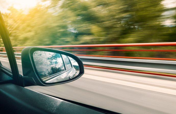 5 Cosas que deberíamos hacer en un medio de transporte para evitar marearnos y acabar vomitando