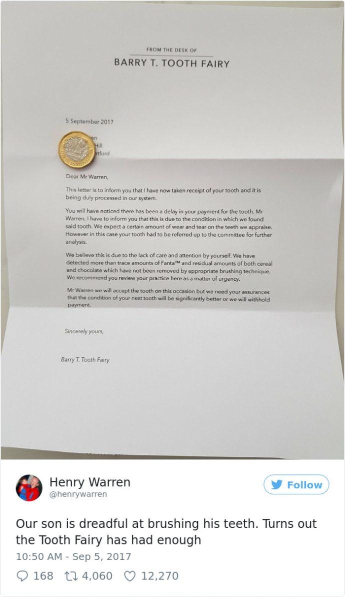 Un padre le entrega una original carta del Ratoncito Pérez a su hijo tras estar cansado de que no se lavara los dientes