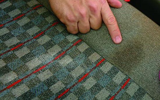 12 trucos para limpiar la tapiceria del coche 1523449068 e1523449096821