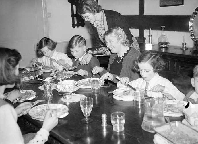 10 Cosas que no se volverán a ver en la mesa al sentarnos a cenar