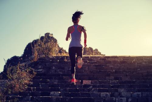 ejercicios que puedes hacer en tu casa con beneficios respaldados por la ciencia 219696