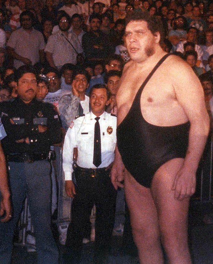 """7 Imágenes de """"André el Gigante"""" el borracho que pesó más de 200 kg"""