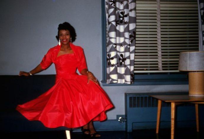 20 Imágenes que muestran lo perturbadora e idílica vida de los americanos en los años 50