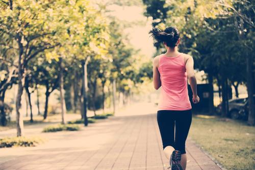 las mujeres pueden reducir el riesgo de desarrollar demencia en casi un 90 haciendo ejercicio 221087