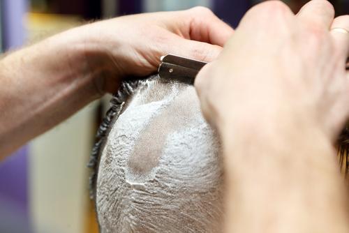 te estas quedando calvo es hora de afeitarte la cabeza 218858