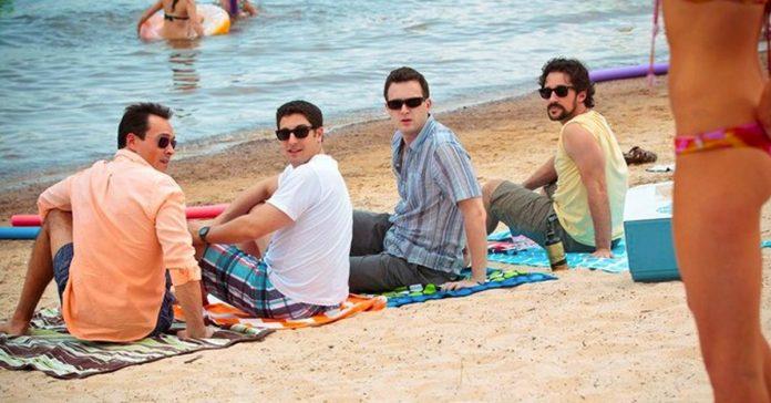 7 cosas que estan prohibidas hacer en la playa y que debes evitar para que no te multen banner