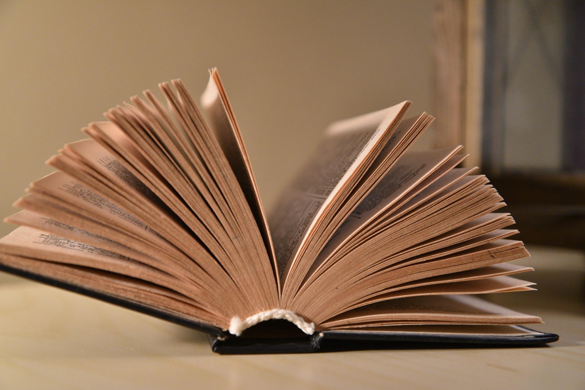 book 3163563 1920