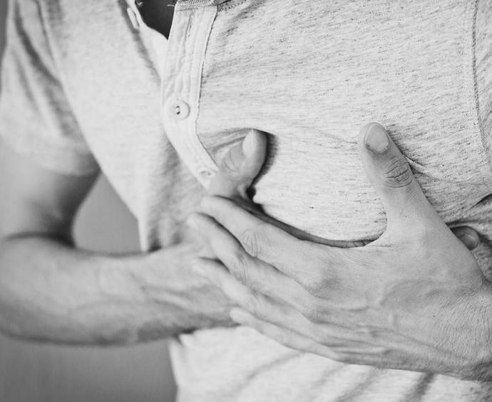 10 Partes del cuerpo que te suelen doler a diario por culpa de las cosas que piensas