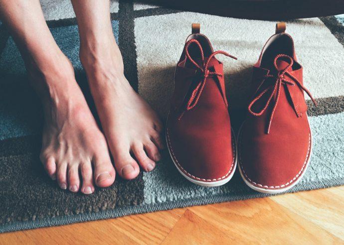 5 Ejercicios que deberíamos hacer a diario para lucir unos pies fuertes y perfectos