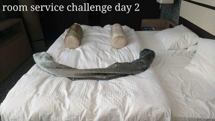 Un cliente reta al servicio de habitaciones a ordenar el estropicio que montaba cada día