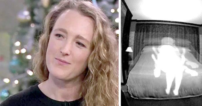 la mujer asegura que solo tiene relaciones sexuales fantasmas banner