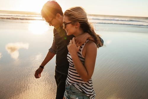 Las 2 Cosas que ocurren en nuestro cerebro que explicaría por qué se vuelve como el de las personas con las que te juntas