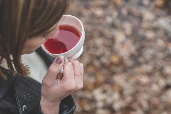 10 Bebidas que deberíamos tomar por la noche para perder barriga mientras dormimos