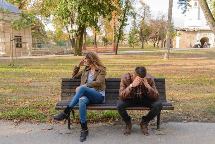 10 Razones por las que te dejan de hablar después de ligar contigo