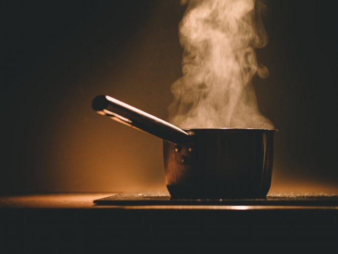 5 Peligrosas razones por las que no deberíamos recalentar la comida en el microondas