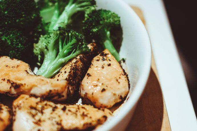 Las 6 Reglas de oro para empezar la operación bikini en la cena preparando deliciosos platos que no engordan