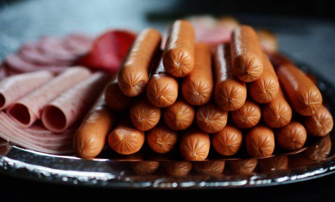 10 Alimentos con los que deberíamos tener especial cuidado antes de llevárnoslo a la boca