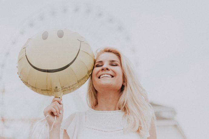 10 Señales que indican que estás enamorado de tu propia vida